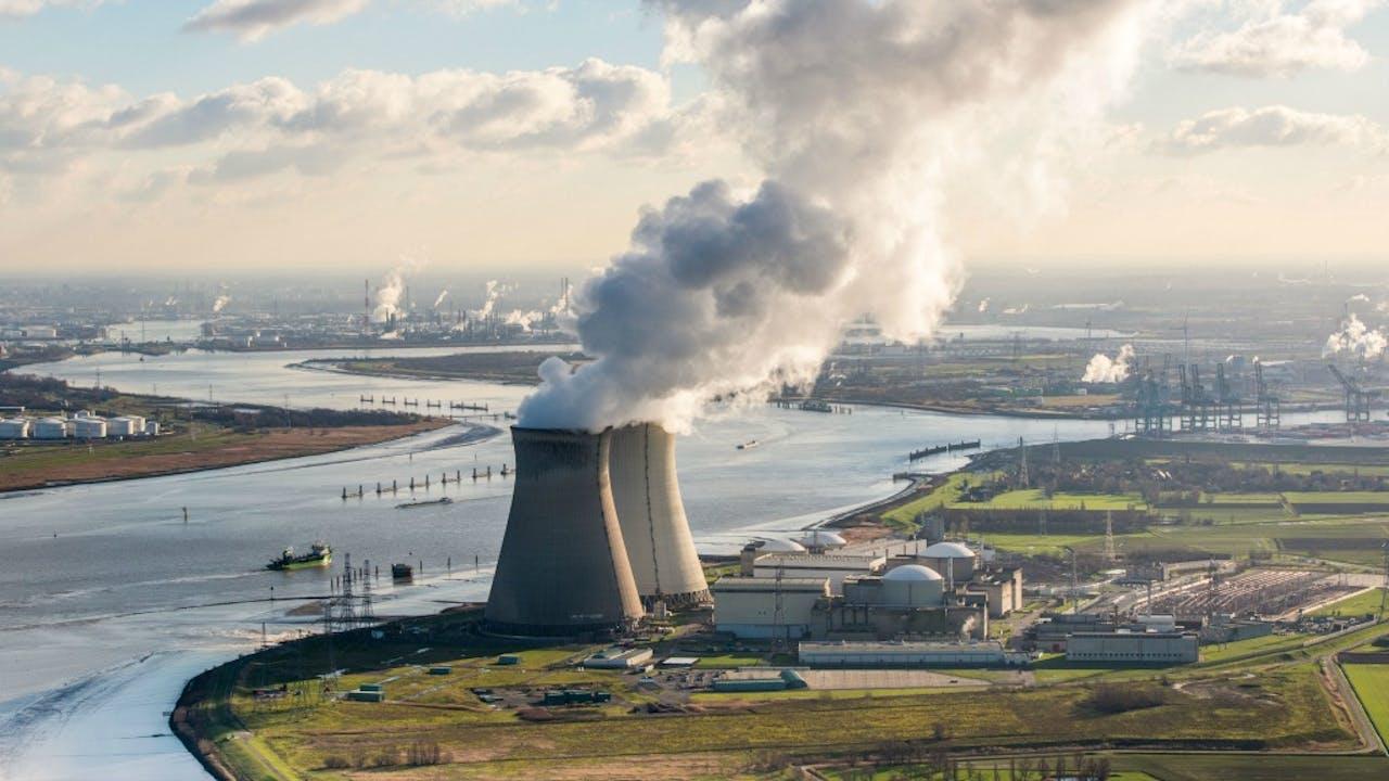Foto: ANP - Belgische kerncentrale Doel aan de Schelde