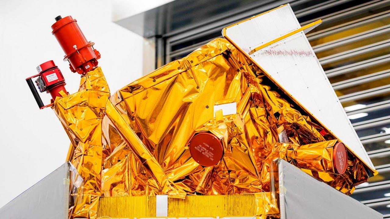De nieuwe satelliet van Airbus, de Sentinel 5 tijdens de presentatie van ESA. Foto: ANP