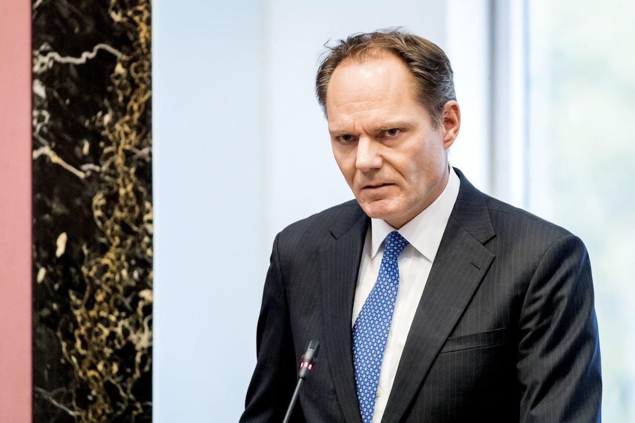 Oud D66-wethouder Udo Kock tijdens de Amsterdamse raadsvergadering in verband met zijn opstappen na de problemen bij het Afval Energie Bedrijf (AEB).