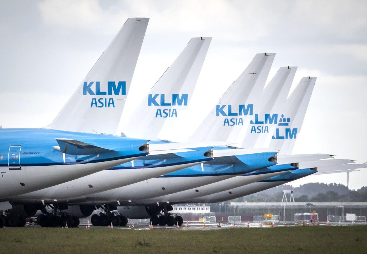 Vliegtuigen bij luchthaven Schiphol