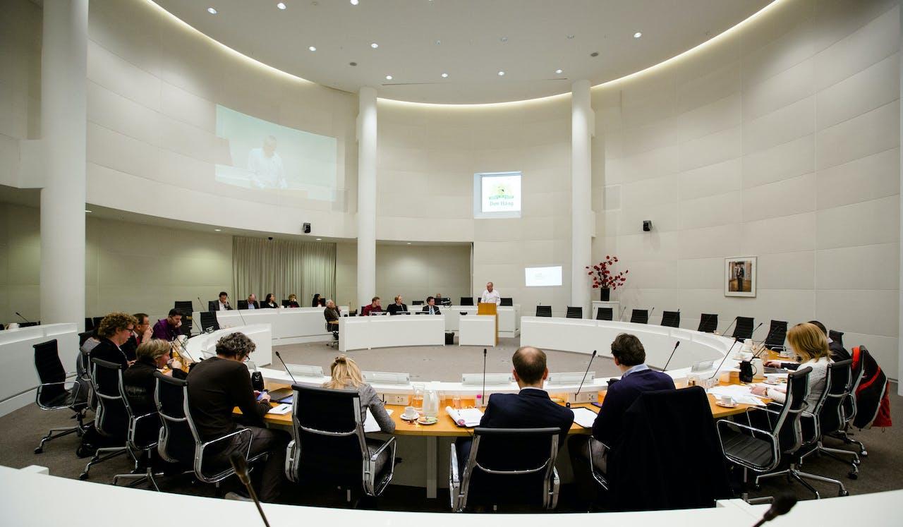 In de gemeenteraad van Den Haag zijn er in de afgelopen vier jaar drie fracties bij gekomen na afsplitsingen.