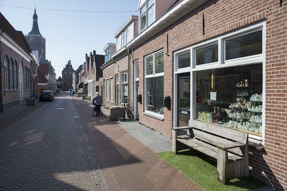 Een lege winkelstraat in Hasselt