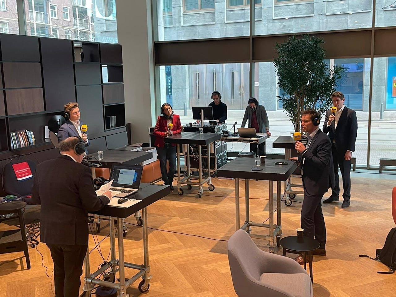Het BNR Buitenlanddebat vanaf de Campus Den Haag van de Universiteit Leiden.