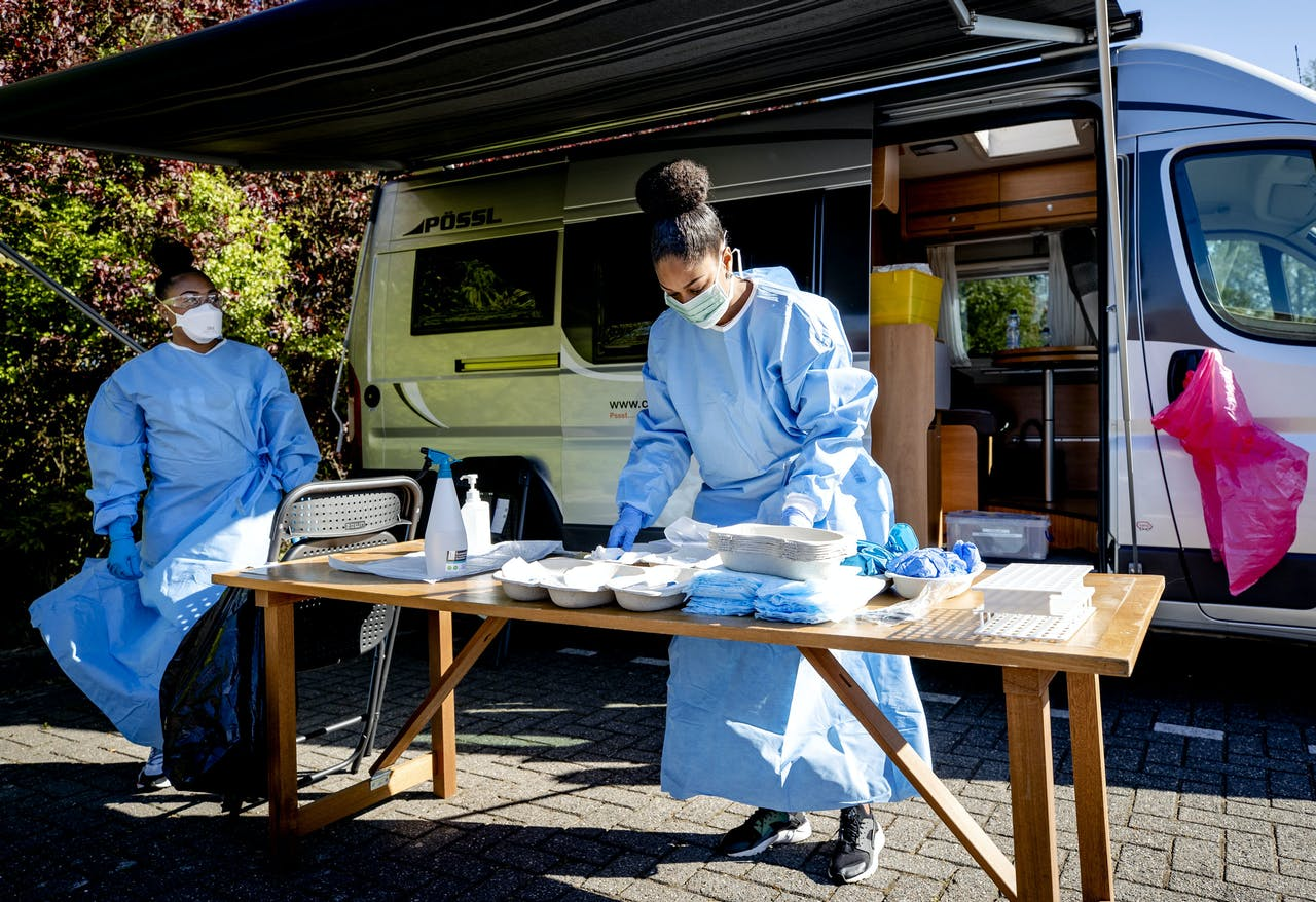GGD-personeel treft voorbereidingen om zorgpersoneel te testen