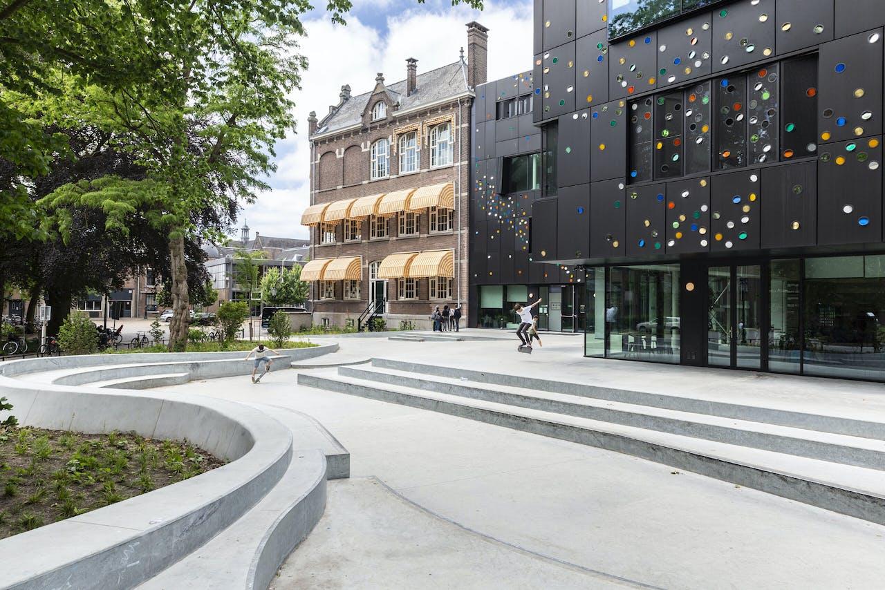 Op het Metis Montessori Lyceum komt oud- en nieuwbouw bij elkaar