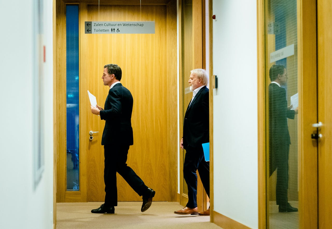 Premier Mark Rutte en Jaap van Dissel (RIVM)