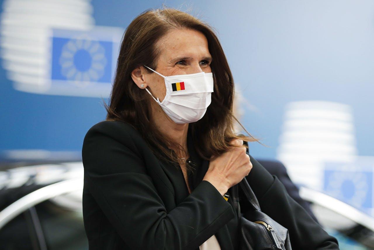 Belgische premier Sophie Wilmes draagt een mondkapje