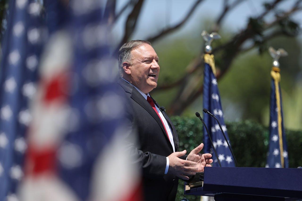 De Amerikaanse minister van Buitenlandse Zaken Mike Pompeo kondigt de koerswijziging van het China-beleid aan in een symbolische speech bij de Richard Nixon Presidential Library in Yorba Linda in California.