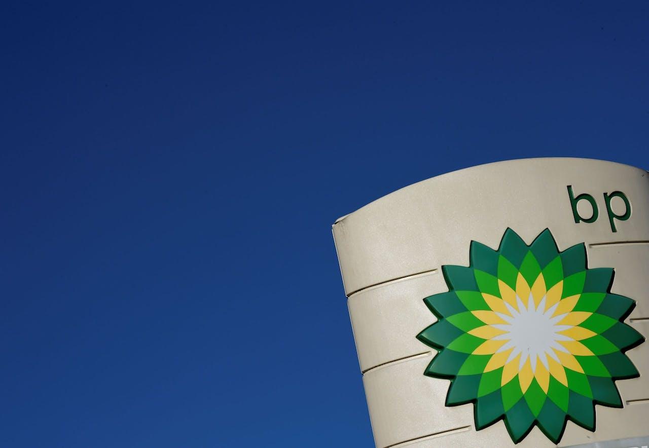 Oliegiganten als BP beseffen dat ze verantwoordelijkheid moeten nemen voor de uitstoot van hun producten en beginnen nu anders te investeren.