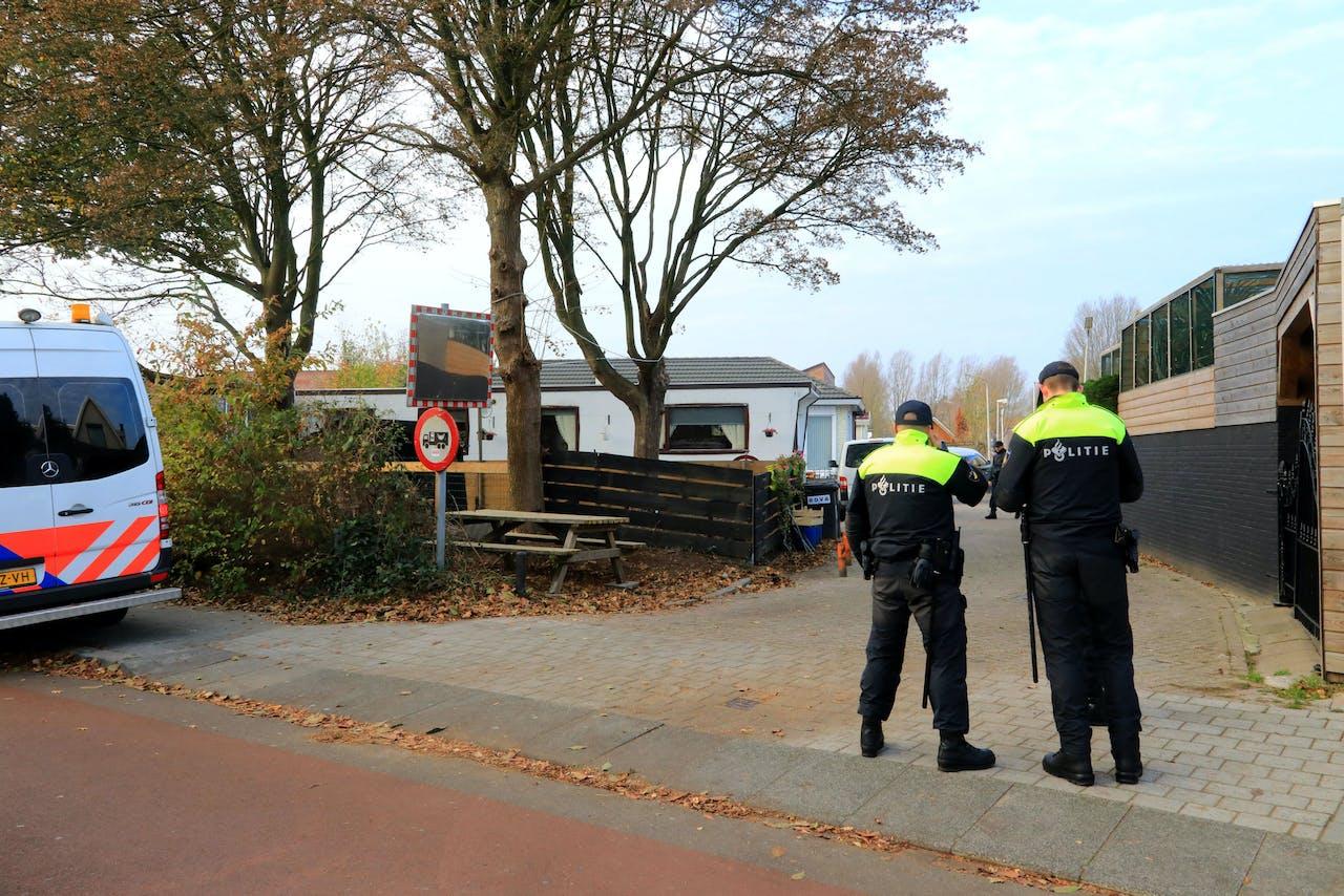 Woensdagmorgen 21 november rond 10.20 uur is een grote inzet van politie en ME aanwezig in het woonwagenkamp aan de Keerkring in Amersfoort.