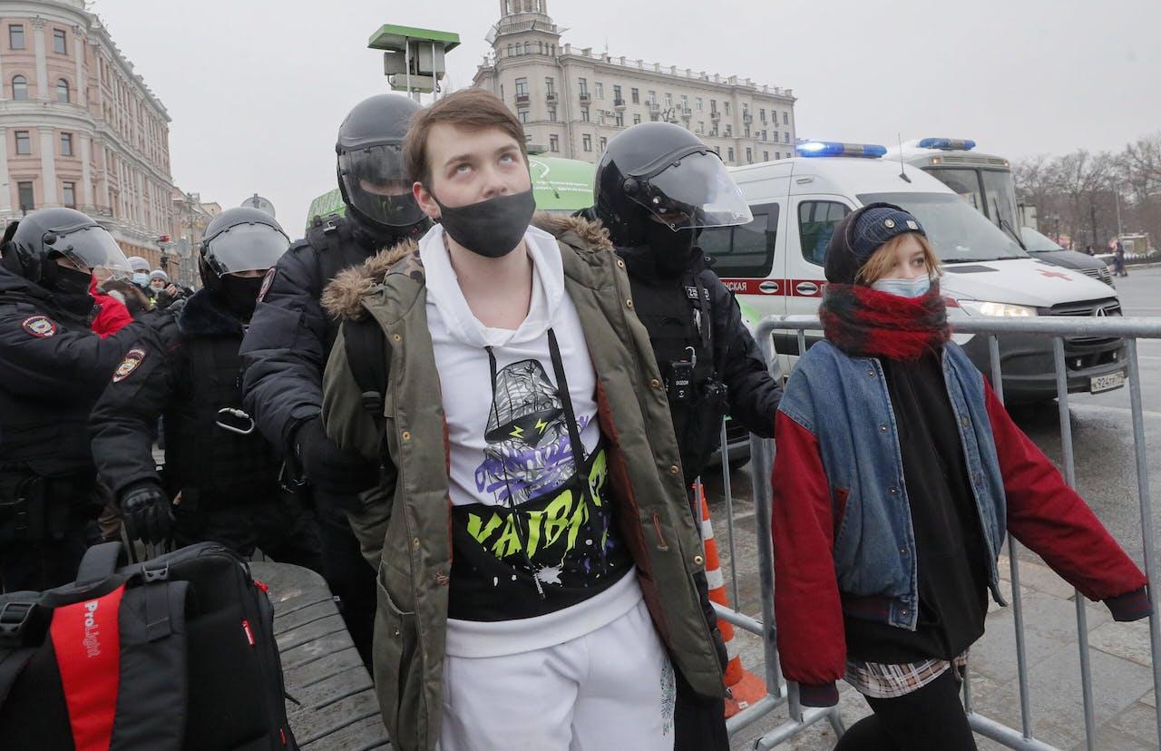 Ruim honderd mensen zijn in Moskou opgepakt