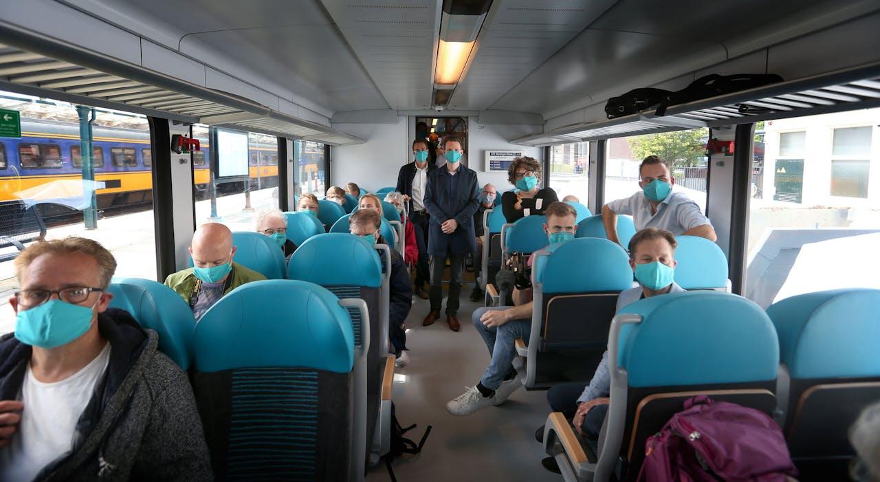 Nog altijd gaan veel mensen met het openbaar vervoer