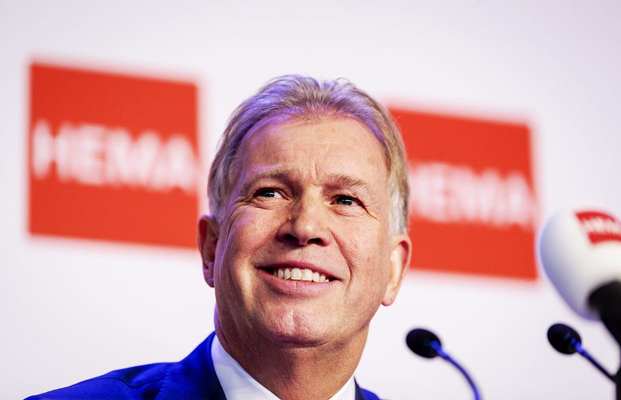 Ondernemer Marcel Boekhoorn tijdens de persconferentie over de overname van HEMA, in 2018.