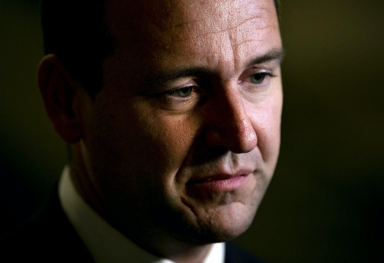 2018-10-16 23:29:09 DEN HAAG - Lodewijk Asscher (PvdA) licht zijn steun voor de motie van wantrouwen tegen premier Rutte toe na afloop van het kabinetsbesluit om de dividendbelasting te behouden. ANP REMKO DE WAAL