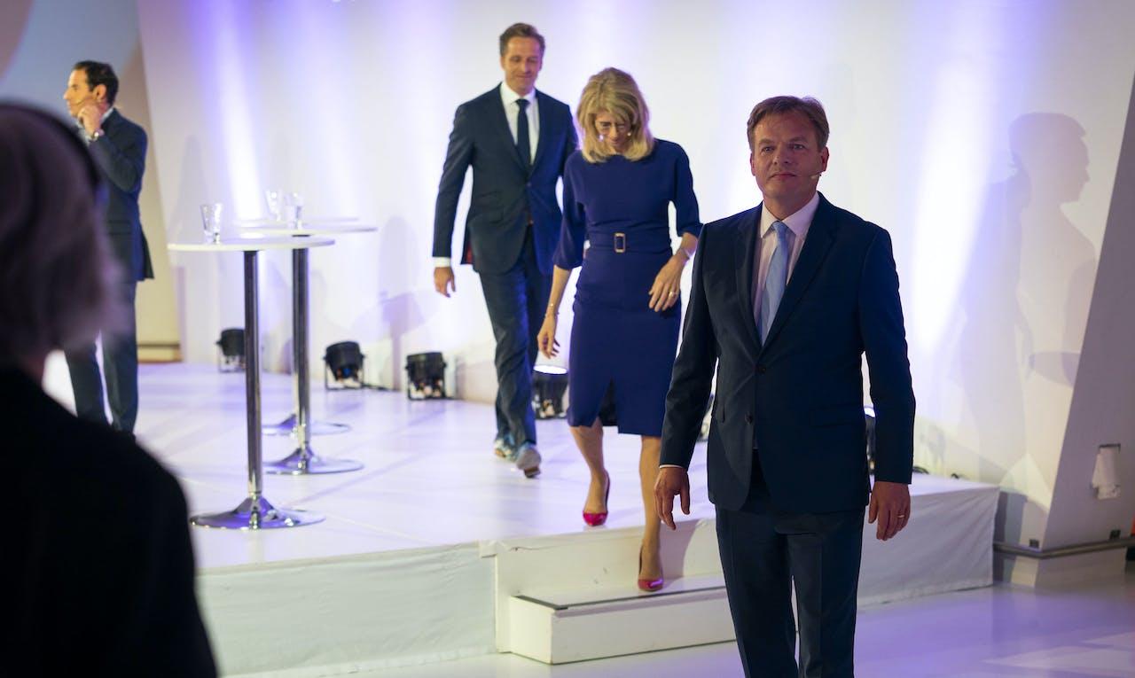 Vicepremier Hugo de Jonge, staatssecretaris Mona Keijzer en Kamerlid Pieter Omtzigt na afloop van het lijsttrekkersdebat van het CDA in de Jaarbeurs.