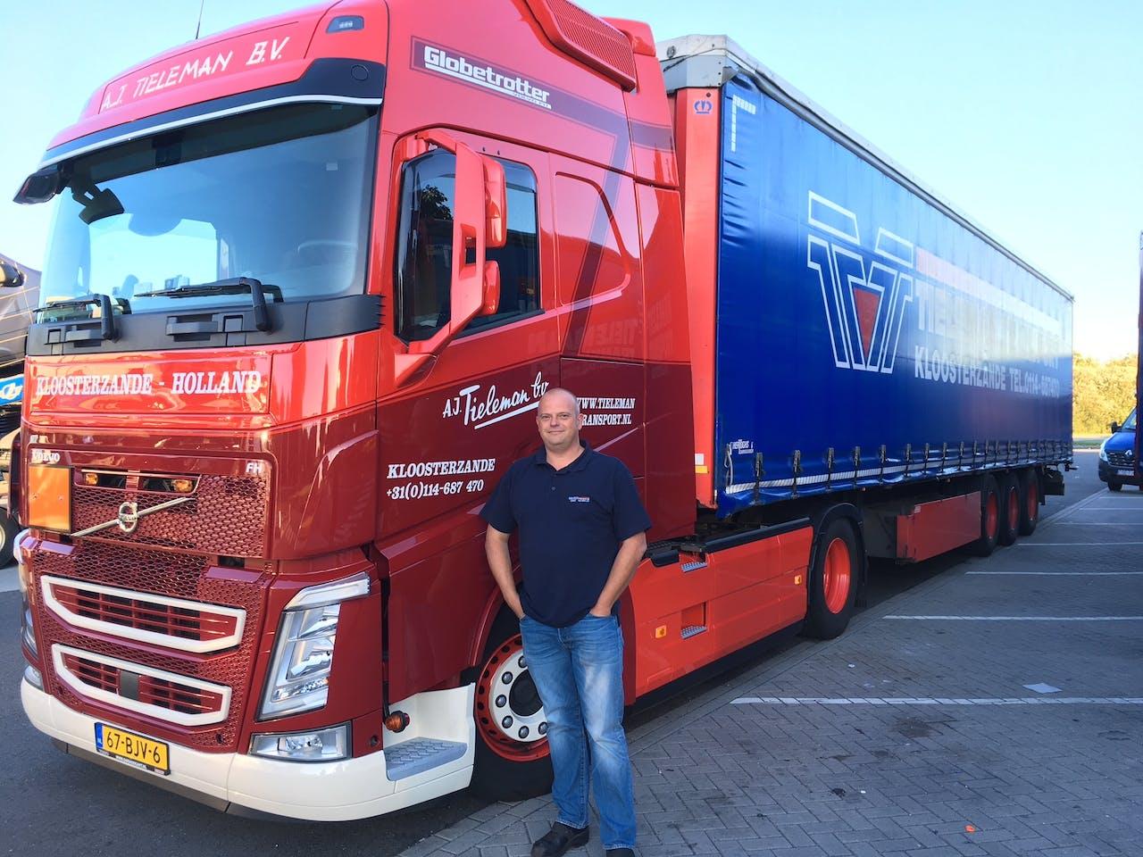 Vrachtwagenchauffeur Roy Gerrits van TielemanTransport