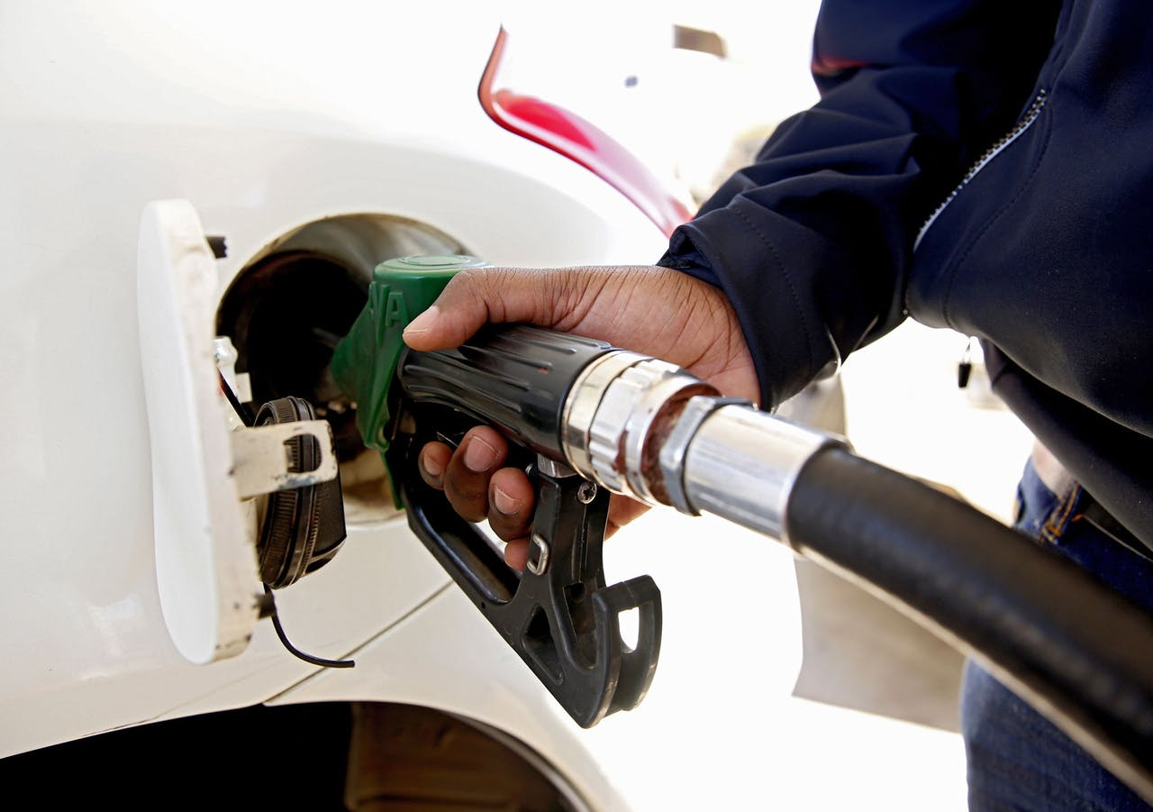 2019-06-12 10:51:03 epa07643596 A customer fuels up his vehicle at a service station in Harare, Zimbabwe, 12 June 2019. Zimbabwe Energy Regulatory Authority (Zera) has marginally increased the price of petrol and diesel respectively, with immediate effect as the local currency continues to plunge against the United States dollar.The retail price of blend petrol is now 5.26 Zimbabwean dollars per liter, up from ZWL 4.97 and diesel will sell at ZWL 5.07 from ZWL 4.89 per Liter The price for ethanol is now ZWL 4.60 per litre. This is the third fuel increase in six months. EPA/AARON UFUMELI