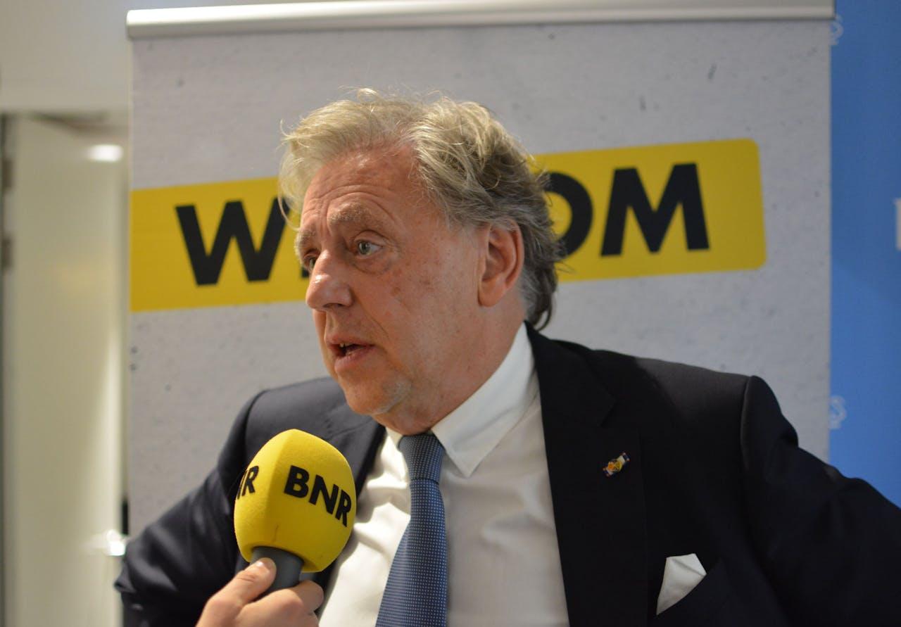 In de strijd om de CO2-uitstoot naar beneden te krijgen, is kernenergie zeker niet uitgesloten. Dat zei Ed Nijpels, voorzitter van het Klimaatberaad, op BNR.