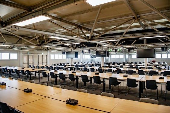 Het perscentrum in het Justitieel Complex Schiphol