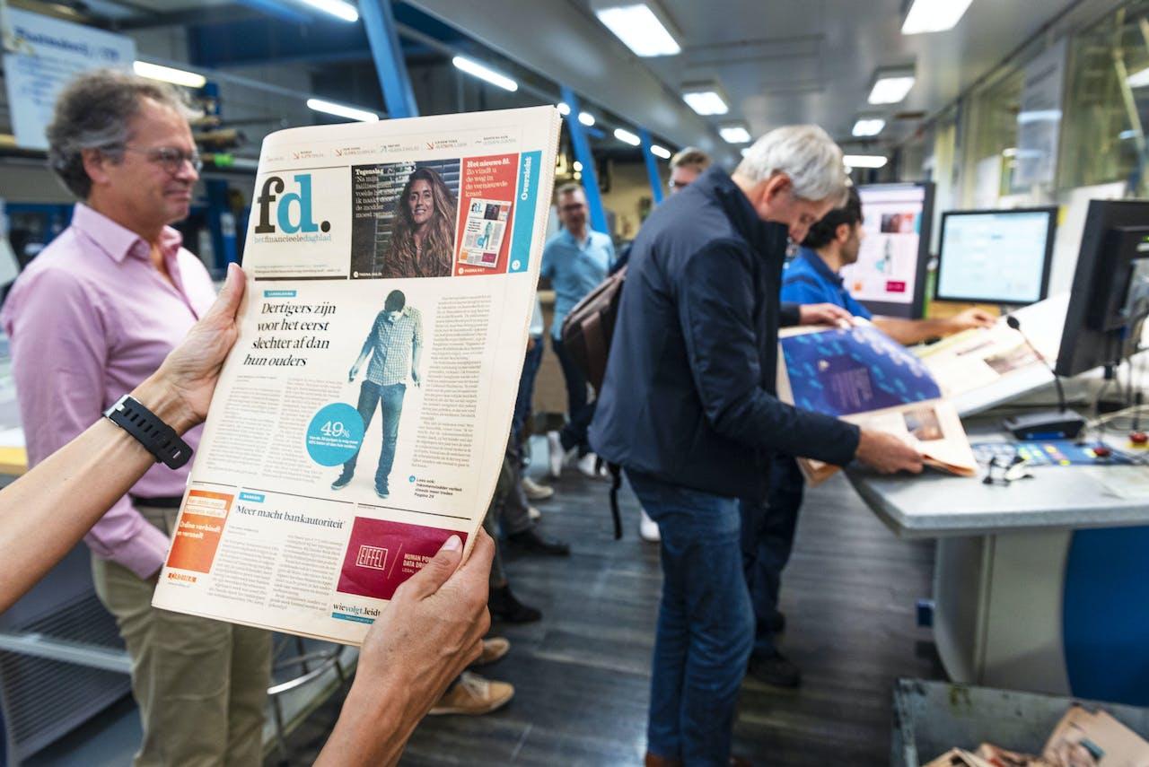 Het nieuwe FD rolt van de drukpersen. De krant heeft een nieuw concept en verschijnt in een kleiner formaat.