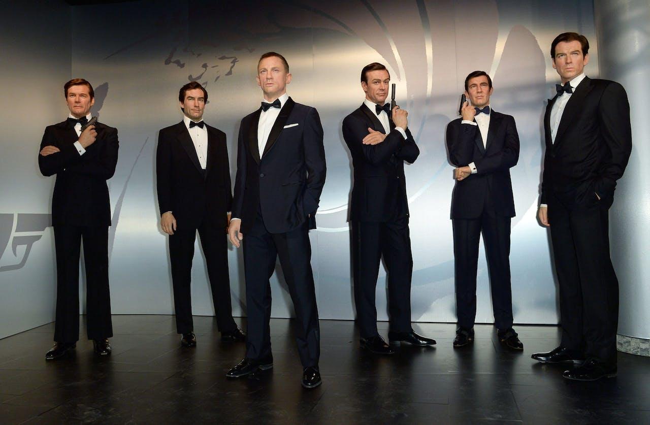 Verschillende wassen James Bond-figuren in Madame Tussauds in Berlijn.