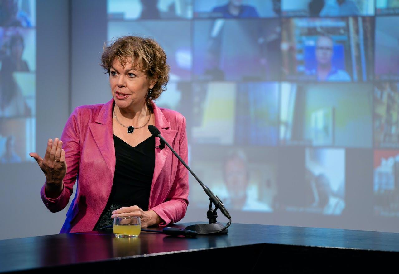 Ingrid Thijssen, voorzitter VNO-NCW tijdens een bijeenkomst over de miljoenennota