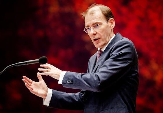 Menno Snel van Financien tijdens het debat in de Tweede Kamer over het optreden van de Belastingdienst in de affaire rond kinderopvangtoeslagen.