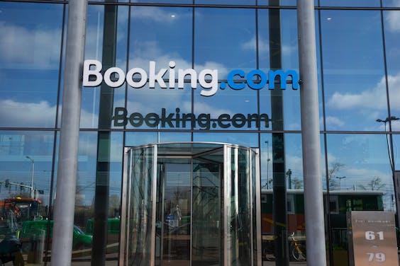 Het kantoor van Booking.com aan het IJ in Amsterdam. Credit ANP / Hollandse Hoogte / Harold Versteeg