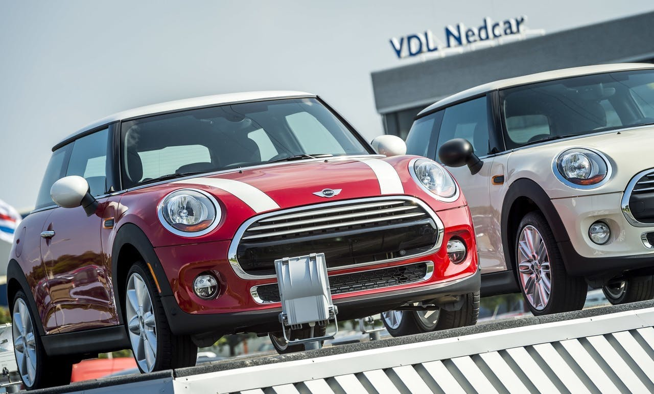Mini's bij VDL Nedcar in Born