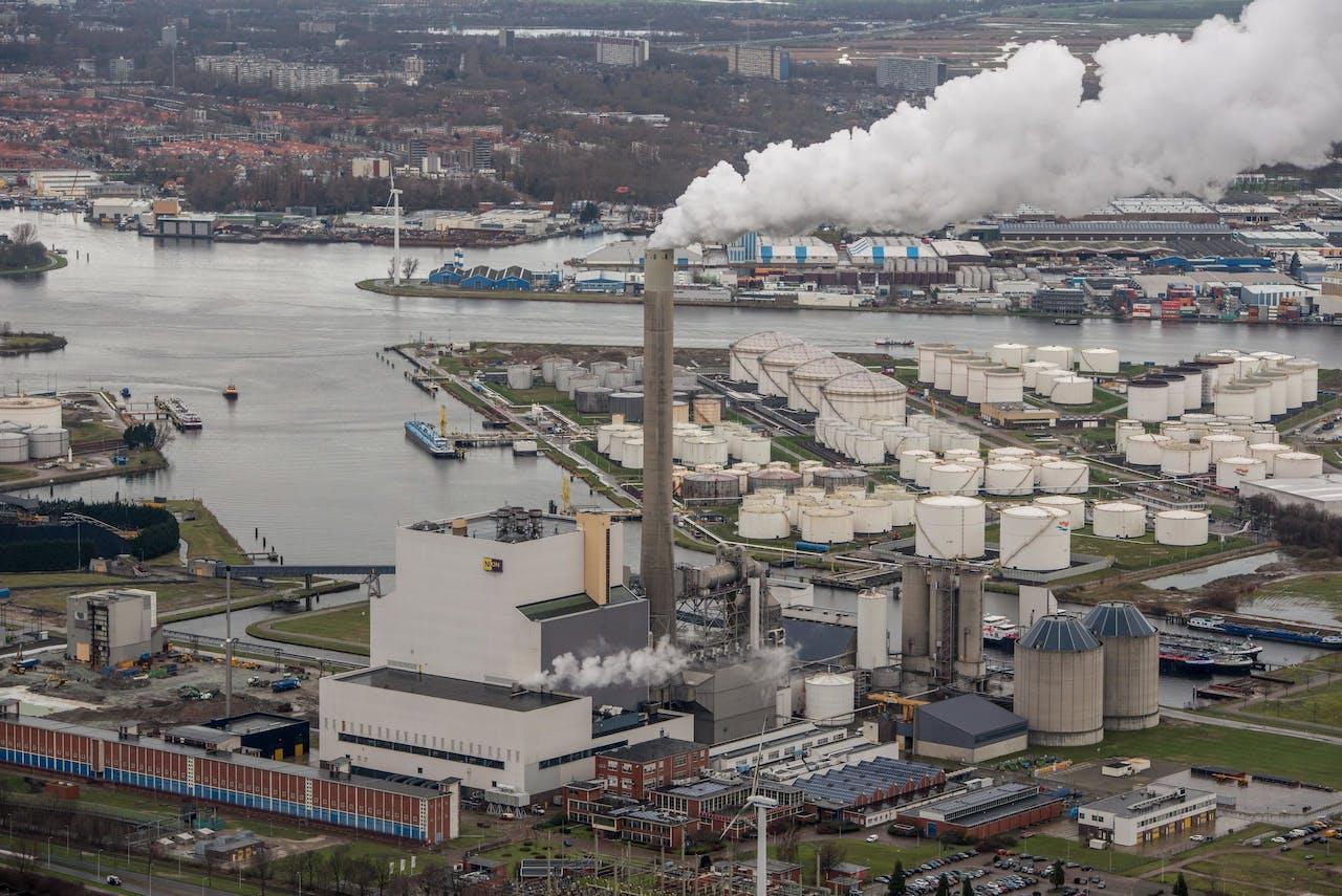 Amsterdam - Nuon Hemwegcentrale, Petroleumhavenweg 1