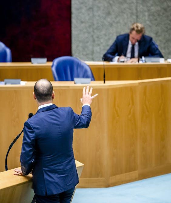 Premier Mark Rutte en minister Hugo de Jonge in debat met Lodewijk Asscher (PvdA)