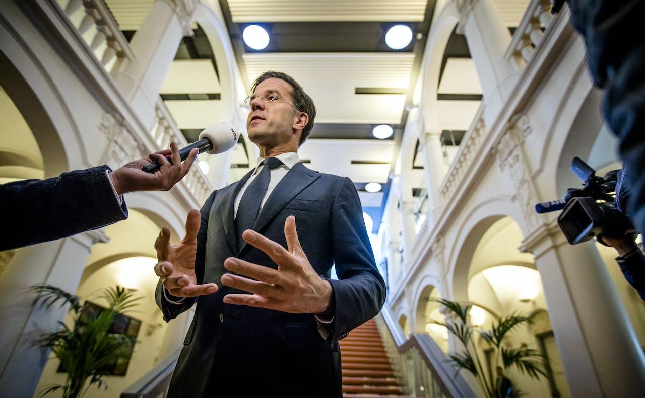 Premier Mark Rutte reageert op het overlijden van Eberhard van der Laan, bij aankomst op het Binnenhof voor de wekelijkse ministerraad.