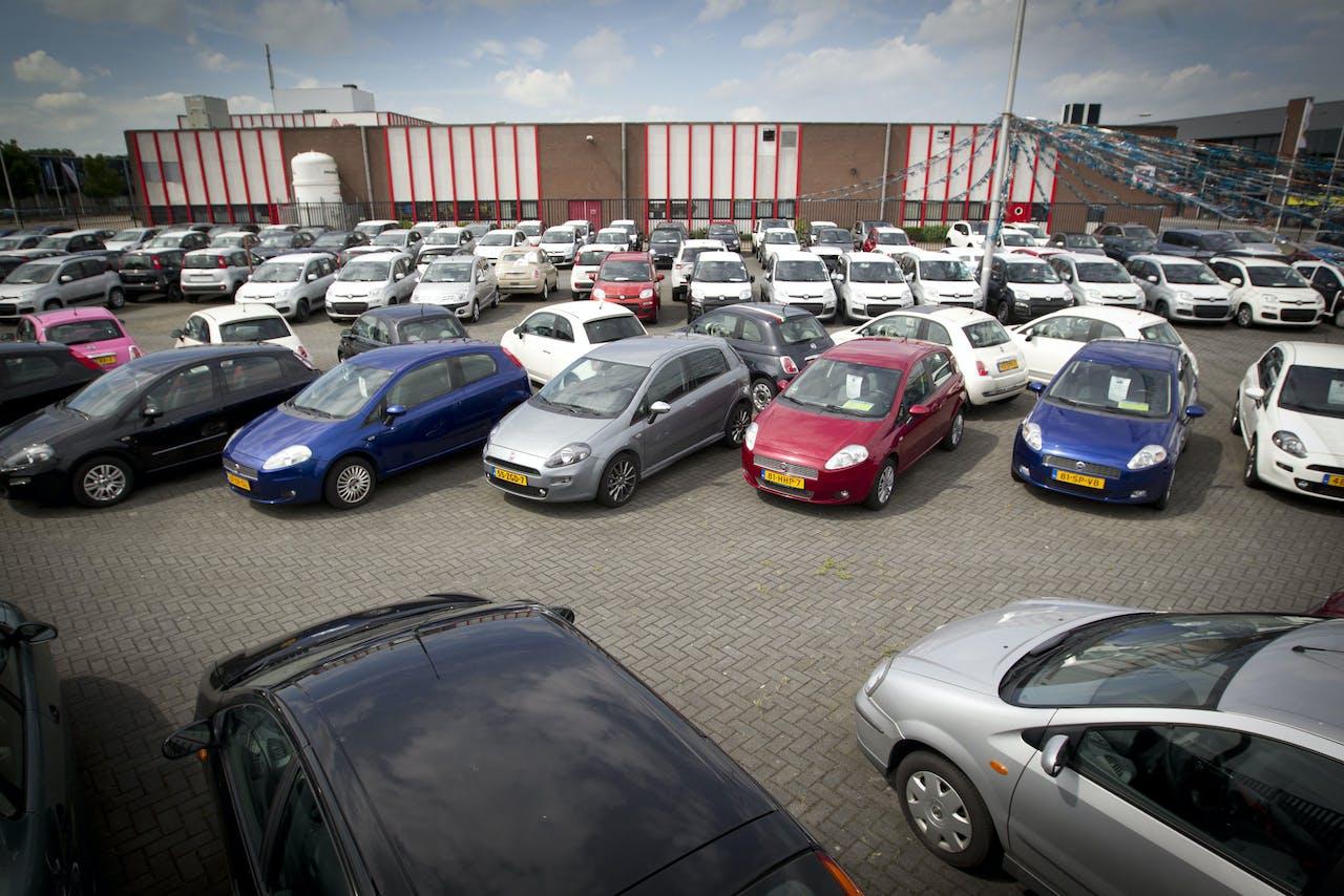De verkoop van tweedehands auto's
