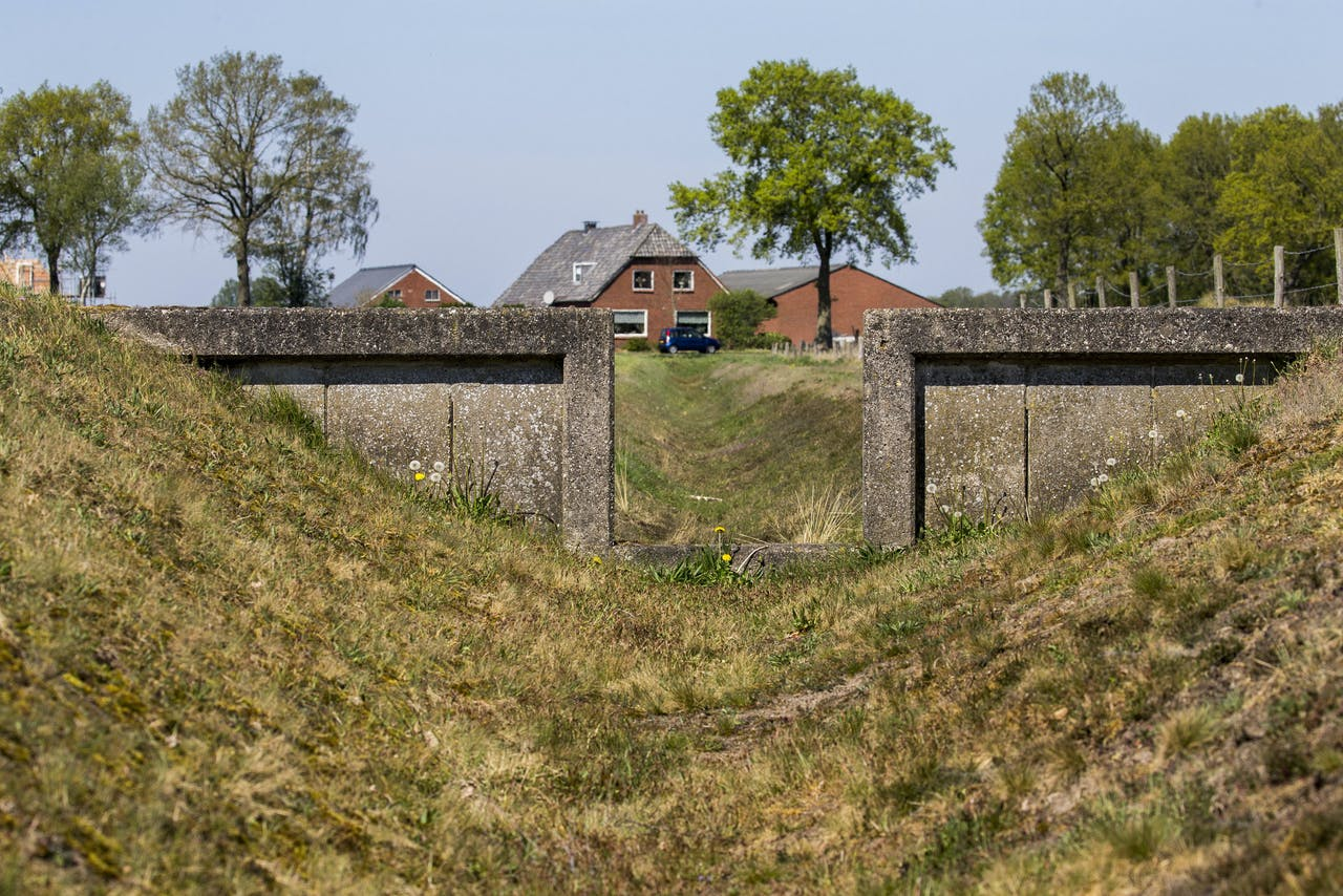 HAARLE - Droge sloten in het landbouwgebied rondom de Sallandse Heuvelrug nabij het Overijsselse Haarle. Waterschap Rijn en IJssel vreest dat delen van Nederland dit jaar voor het derde jaar op rij te maken krijgen met grote droogte.