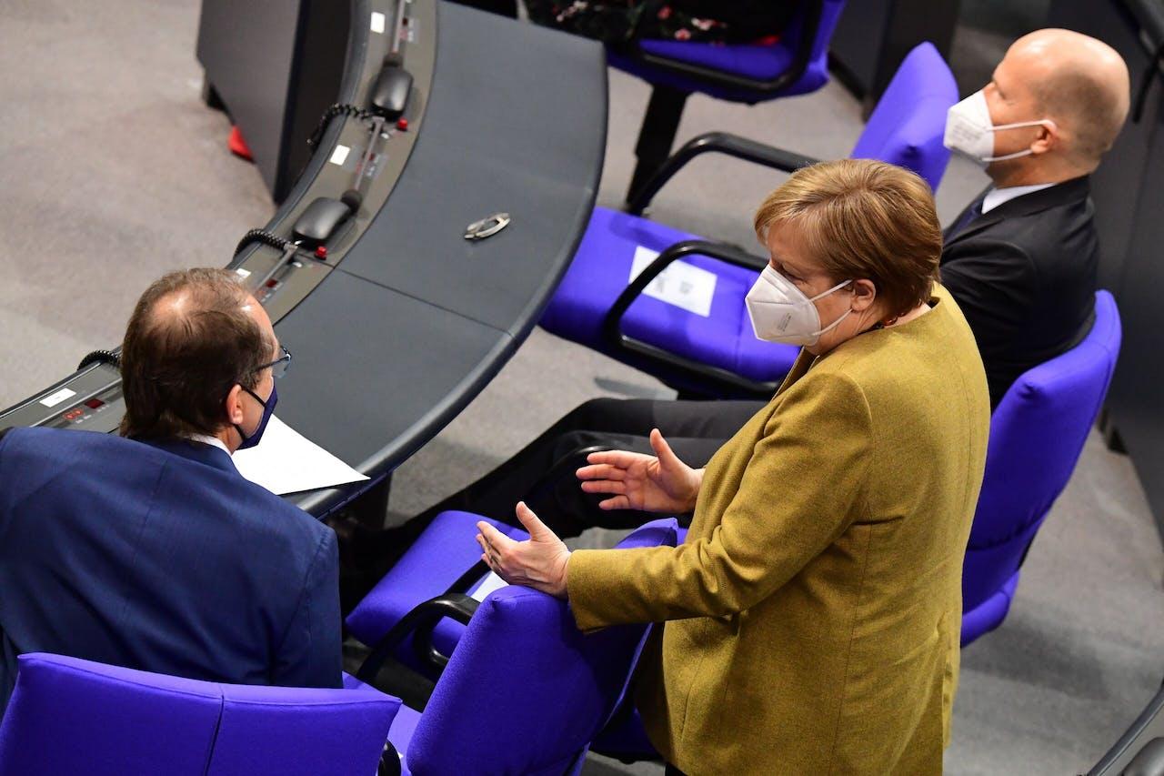 Angela Merkel weet en zoekt raad