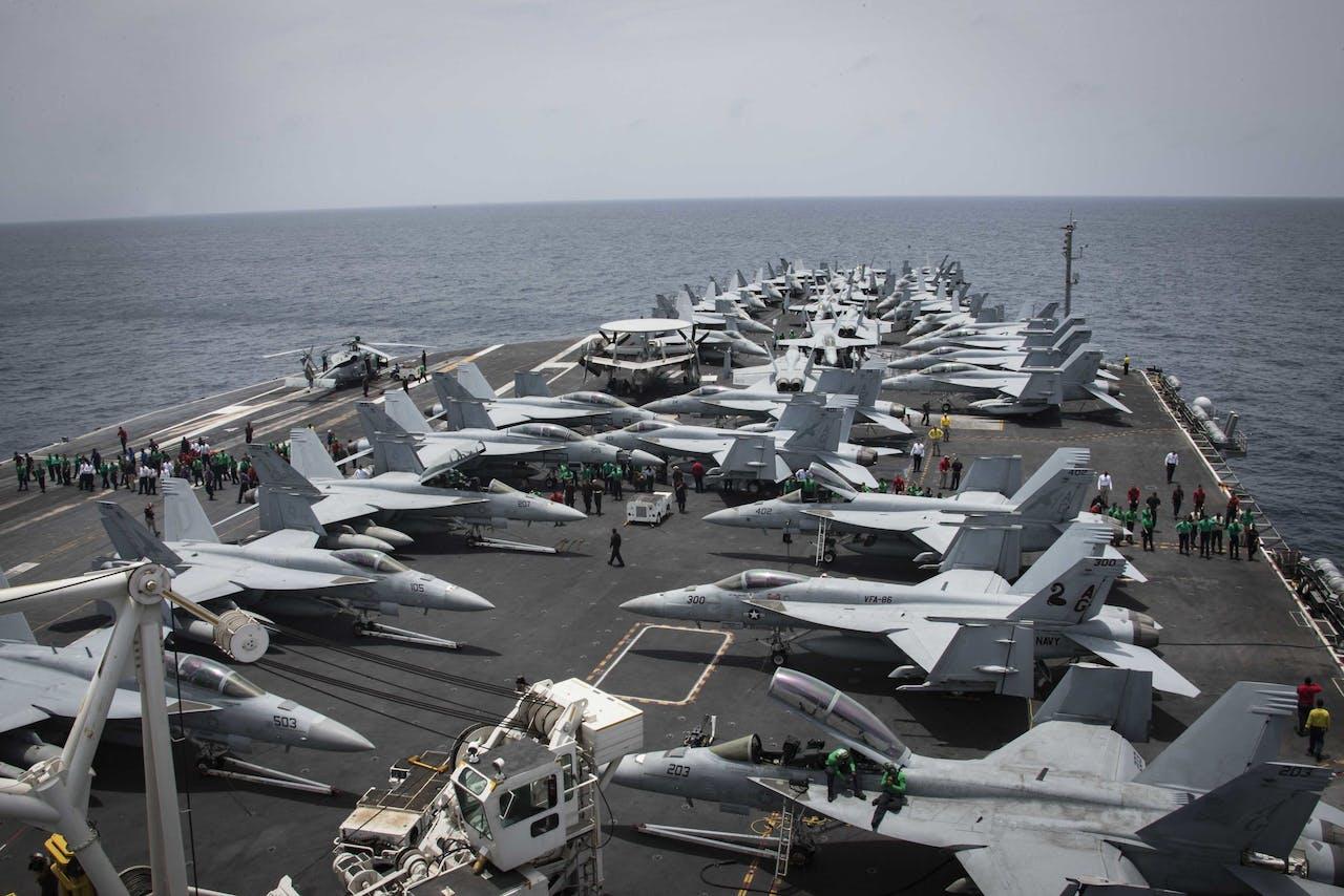 Amerikaans vliegkampschip in de Perzische Golf