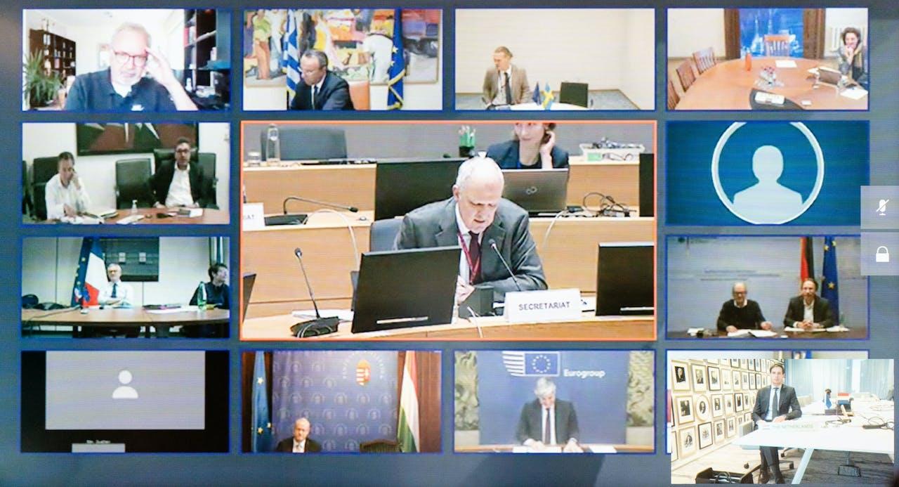 Minister Wopke Hoekstra tijdens een videoconferentie