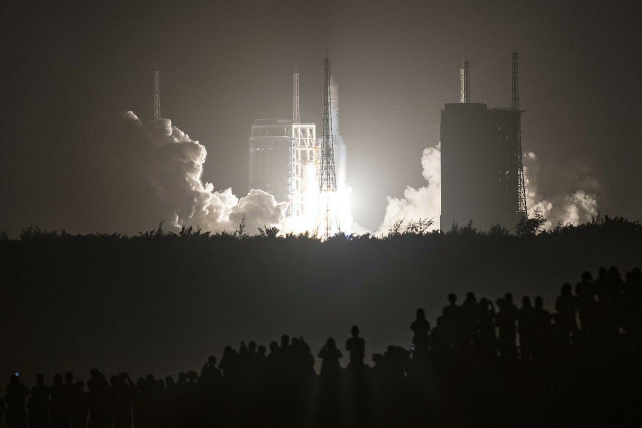 De lancering van de Chang'e-5.