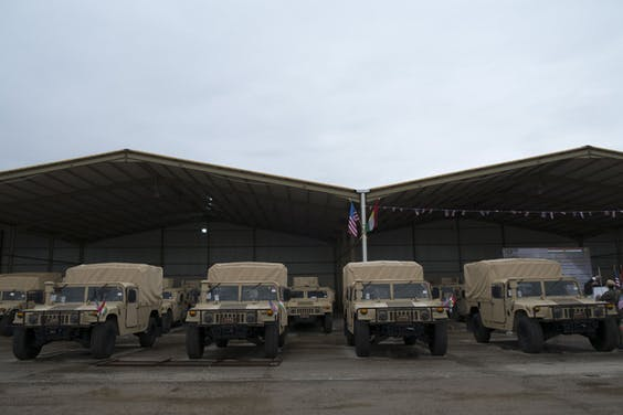 Militaire voertuigen in Erbil