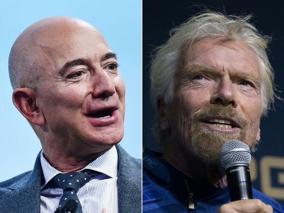 Jeff Bezos (links) en Richard Branson