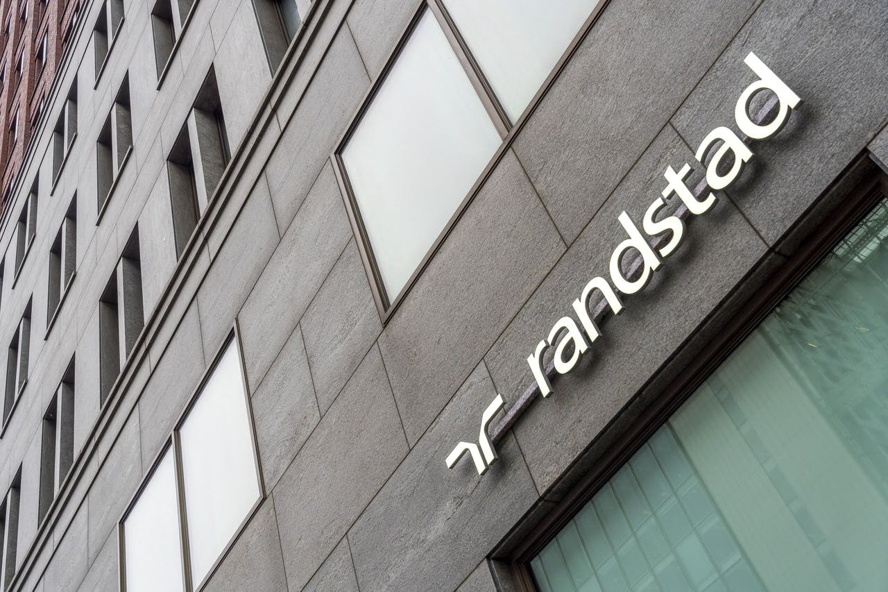 Het logo van Randstad uitzendbureau.