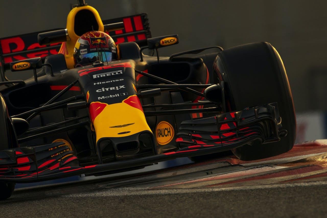 Max Verstappen tijdens de tweede vrije training voor de Grand Prix van Abu Dhabi. Foto: Frits van Eldik