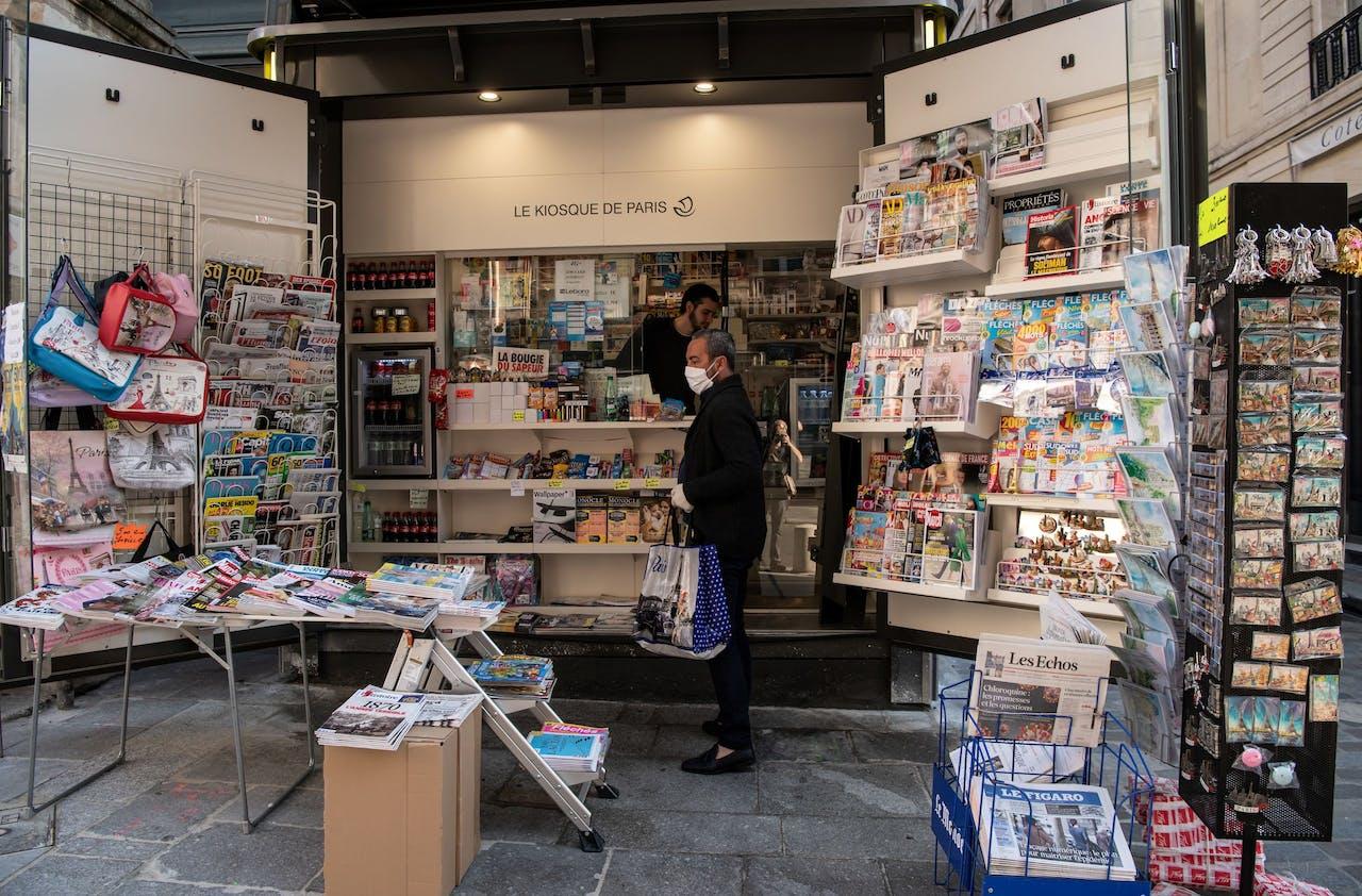 Een krantenkiosk in Parijs