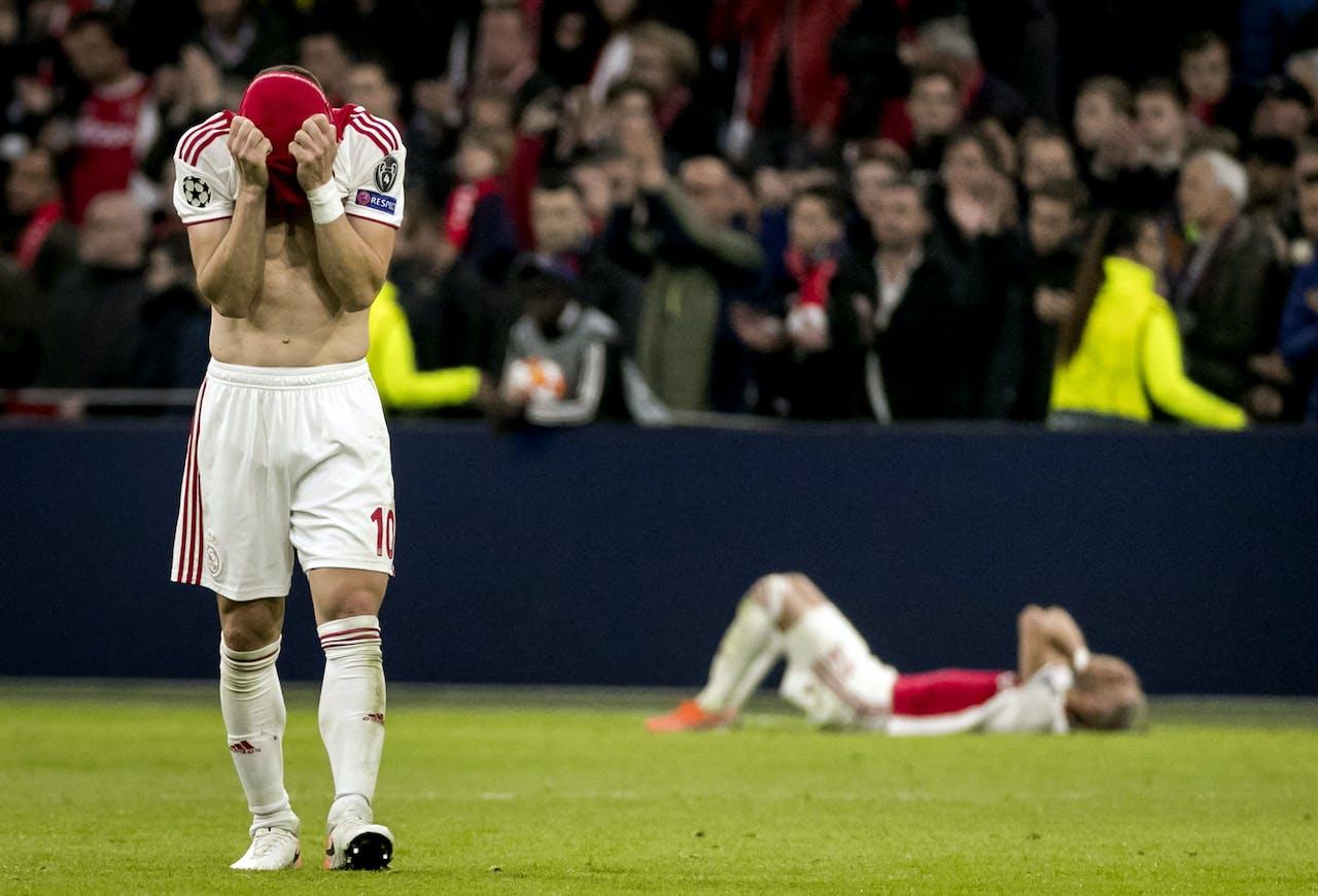 Dusan Tadic van Ajax baalt na de 2-3 van Tottenham Hotspur tijdens de returnwedstrijd Ajax tegen Tottenham Hotspur in de halve finale van de Champions League.