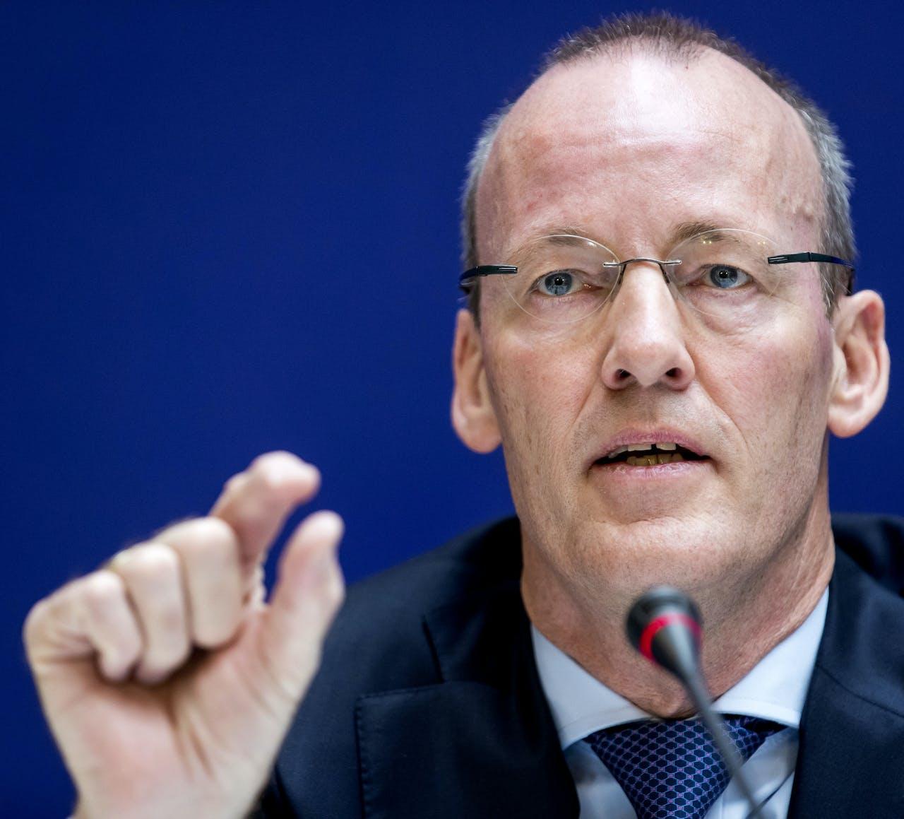 President van de Nederlansche Bank, Klaas Knot, spreekt zich in een formele verklaring uit tegen de economische steunmaatregelem van het ECB.