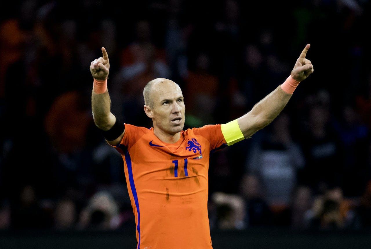 2017-10-10 21:25:37 AMSTERDAM - Arjen Robben van het Nederlands elftal viert de 2-0 tijdens de WK-kwalificatiewedstrijd Nederland - Zweden in de Johan Cruijff Arena. ANP KOEN VAN WEEL