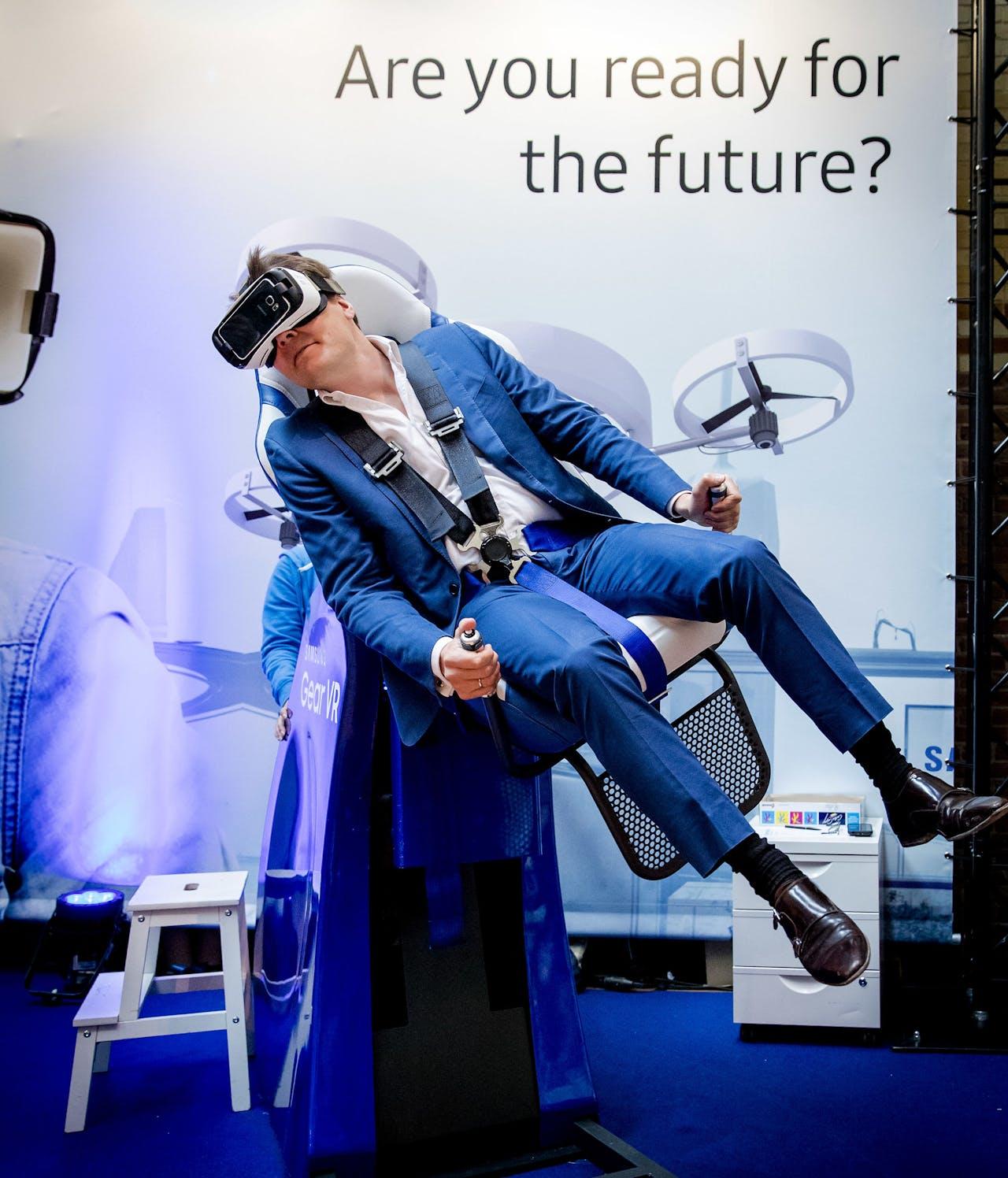 2016-05-24 09:29:41 AMSTERDAM - Prins Constantijn bij Startup Fest Europe in de Beurs van Berlage. Dit evenement staat in het teken van innovatie en nieuwe producten en diensten. ANP ROBIN VAN LONKHUIJSEN