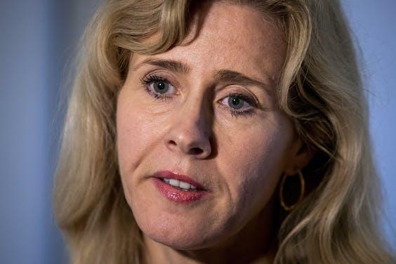 De Nederlandse staat gaat 1 miljard euro investeren in Artificiële Intelligentie. Het bedrijfsleven investeert daarnaast nog eens een extra miljard. Dat maakte staatssecretaris Mona Keijzer vandaag bekend.