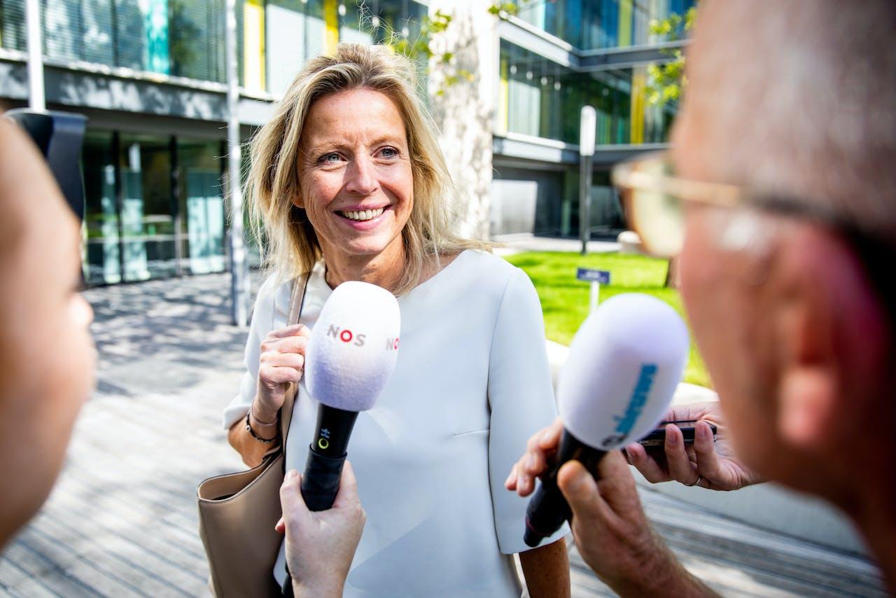 2019-08-22 16:03:19 DEN HAAG - Kajsa Ollongren, minister van Binnenlandse Zaken, bij het ministerie van Financien voor een overleg van de coalitiepartijen over de begroting voor volgend jaar. ANP SEM VAN DER WAL