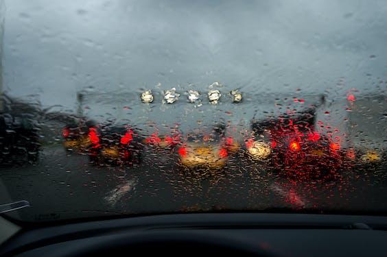 Drukte en regen tijdens de avondspits